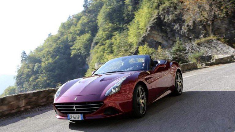 Ferrari отзывает тысячи машин из-за проблем с безопасностью