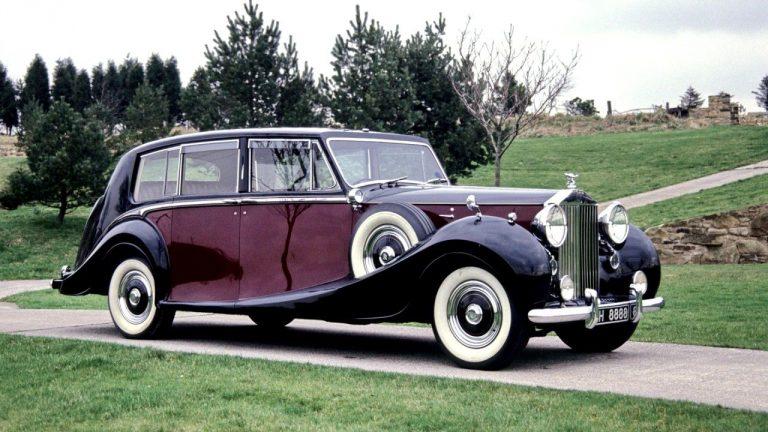 На продажу выставлен королевский лимузин Rolls-Royce Phantom за два миллиона фунтов
