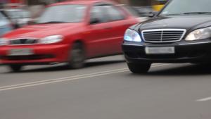 В Госдуме предложили смягчить наказание за выезд на встречную полосу