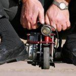 Самый маленький мотоцикл в мире весит всего 1 кг
