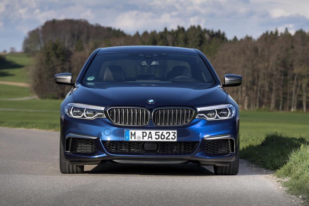 BMW M550i G30  530-сильным V8