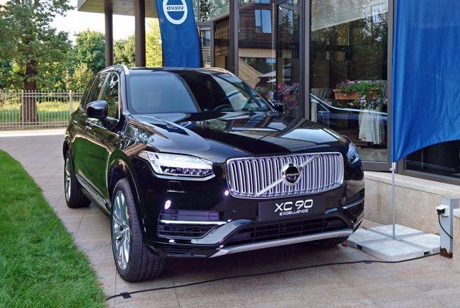 Volvo предпочитает  электричество