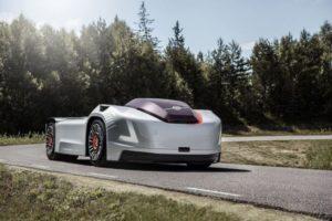 Тягач Volvo : без кабины и с автопилотом