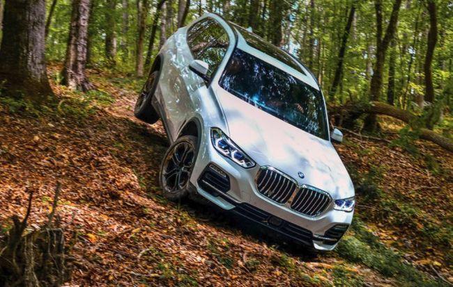 BMW X5 теперь с пневмоподвеской