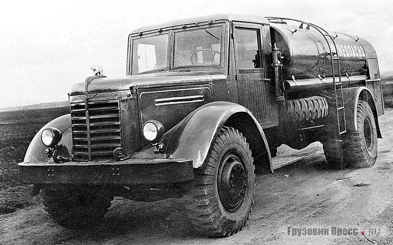 Аэродромный бензозаправщик БЗ-ЯАЗ-200