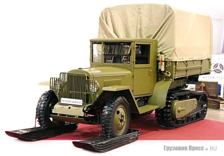 Старинные автомобили - выставка