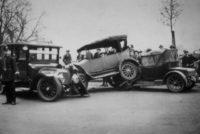 Где произошла первая автомобильная авария?