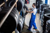 Зимние шины: когда, где брать, цена, что выбирают чаще всего на зимний период?