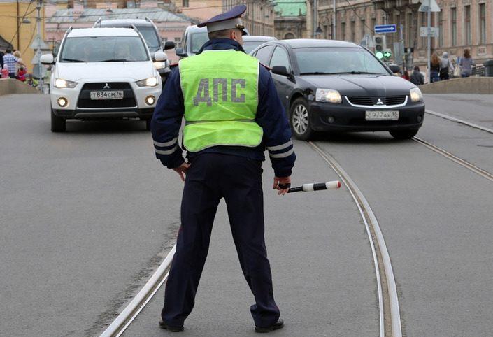 Снимать номера с машин сотрудникам ГИБДД теперь запрещено