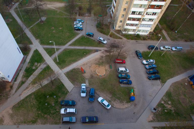 О платных парковках во дворах