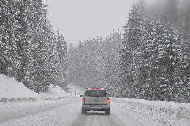 Самые полезные «зимние» опции авто глазами водителей