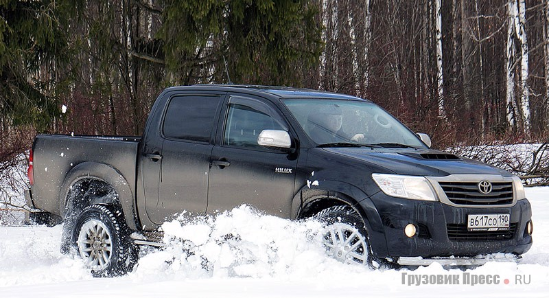 Toyota Hilux и VW Amarok - снежные барсы