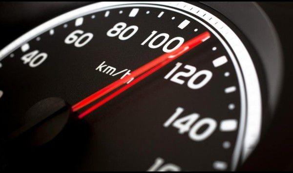 Роковая скорость автомобиля для водителей