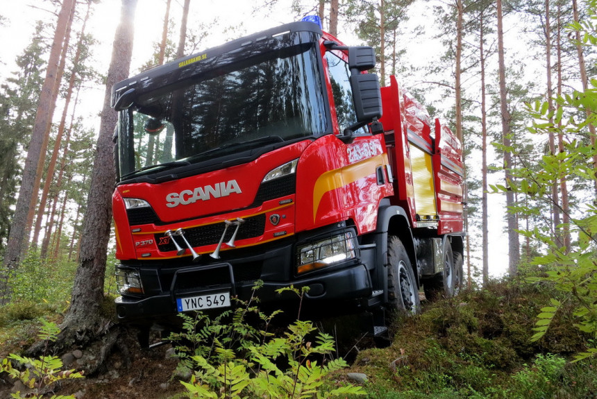 Борец с лесными пожарами Scania XT