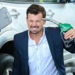 Цены на бензин — скоро пешком будет дешевле