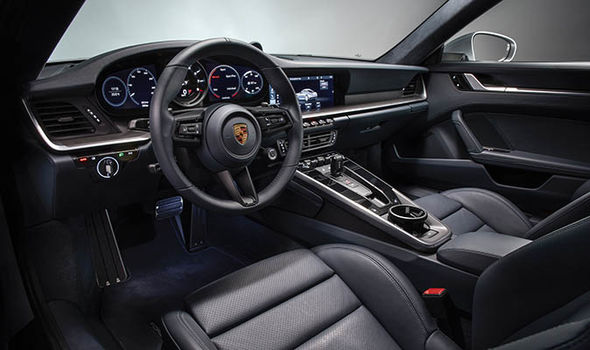 Особенности внутренного дизайна нового Porcshe 911