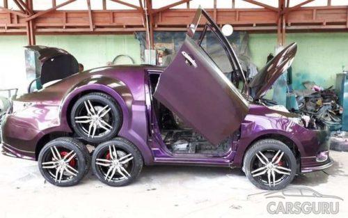 8-колесный седан Toyota