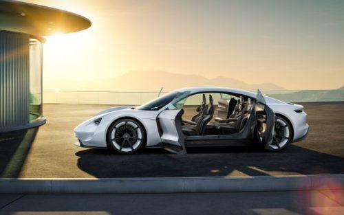 Первый электромобиль Porsche Taycan