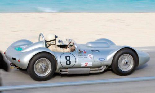 Современная версия спорткара 50-х годов от Lister