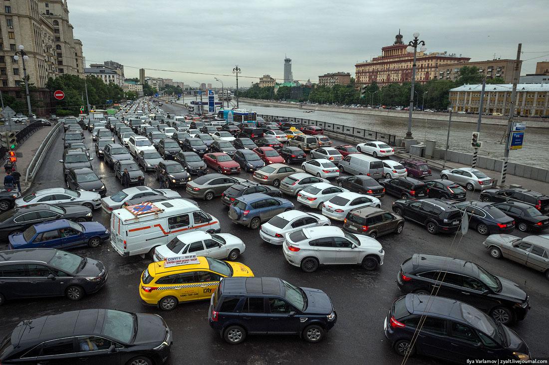 Города, где самые длинные дорожные пробки