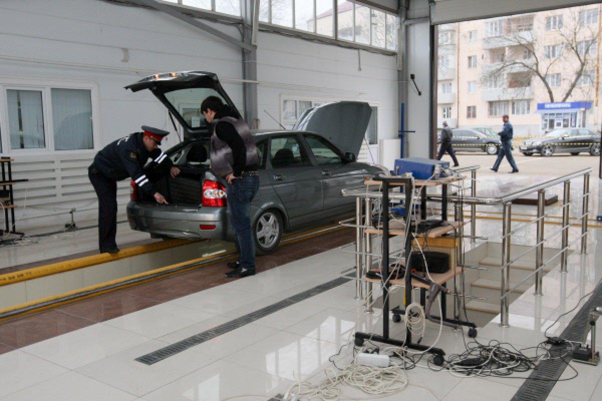 Депутаты одобрили возвращение инспекторов ГИБДД на пункты ТО