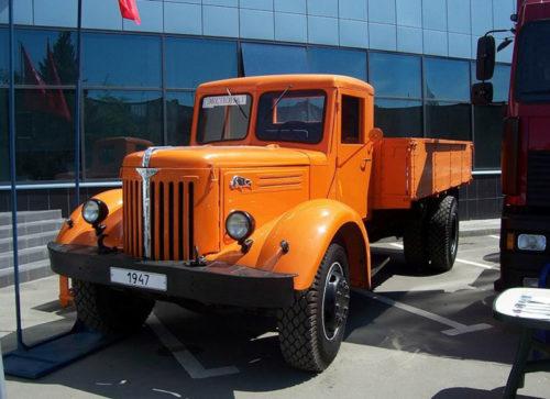 МАЗ 200 - первый большегруз в СССР