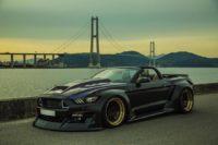 Кабриолет Ford Mustang GT с велобагажником