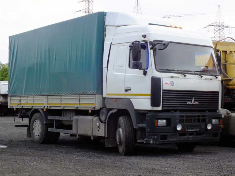 Продажи грузовиков упали резко
