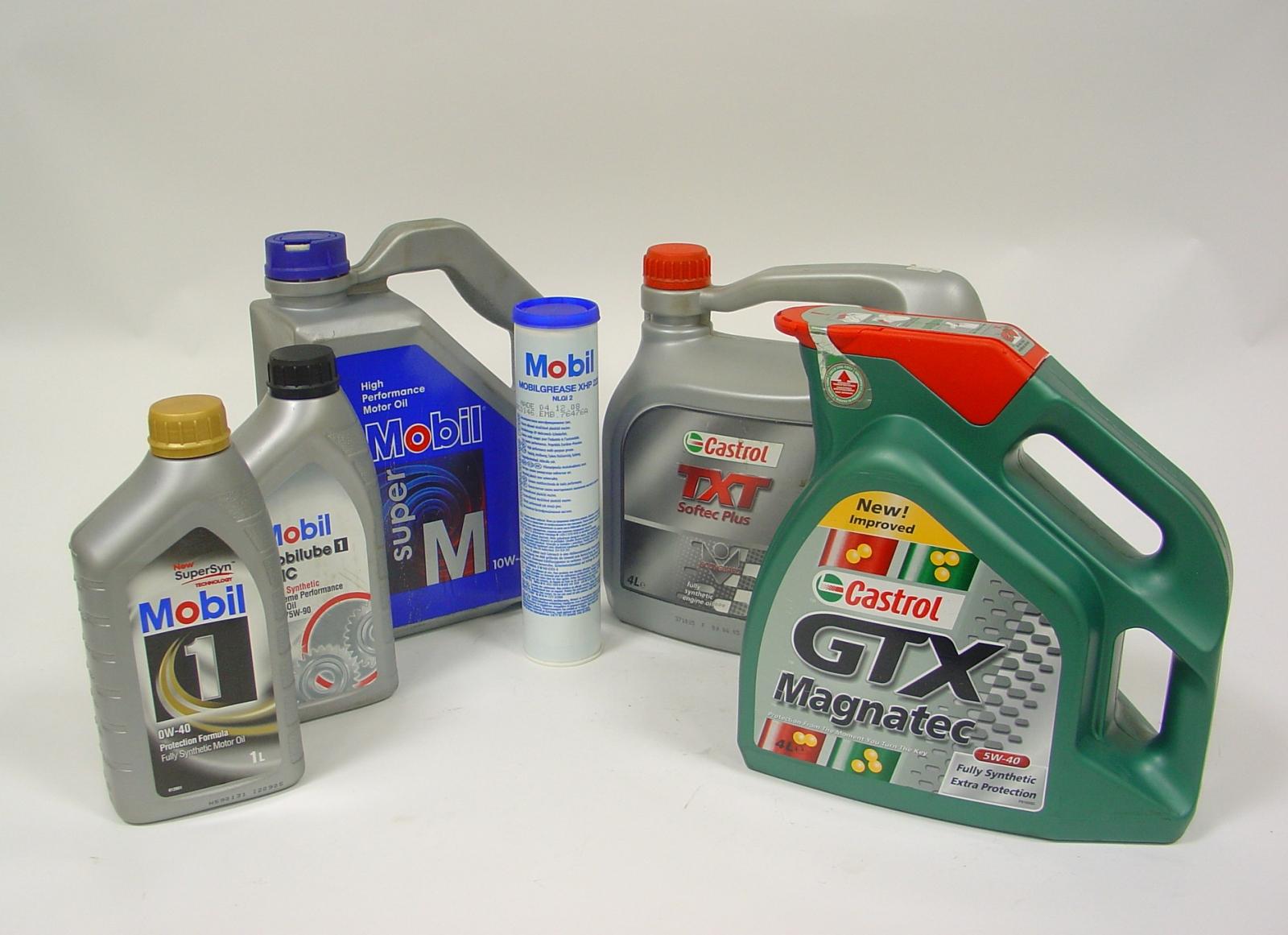 Технические жидкости в автомобиле и как регулярно их надо менять