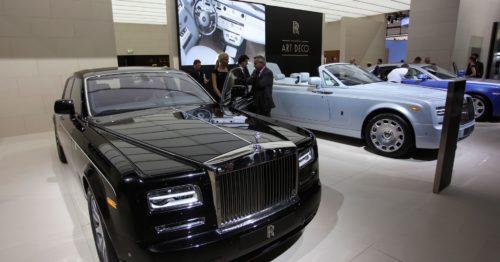 Владельцы дорогих авто и штрафы должны платить по завышенному тарифу
