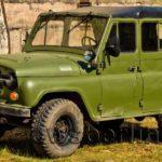 Десятиместный внедорожник УАЗ для военных на базе УАЗ-3151.