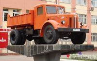 Автомобили-памятники в Минске