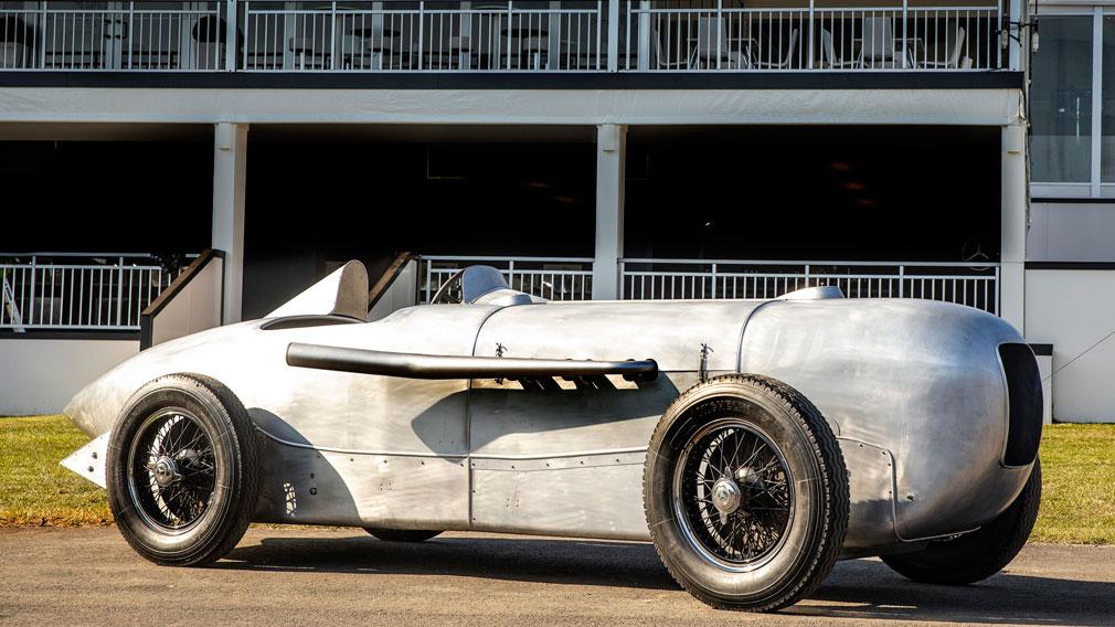 Спорткар Mercedes-Benz «огурец»