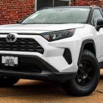 Toyota RAV4 меняет дизайн и название