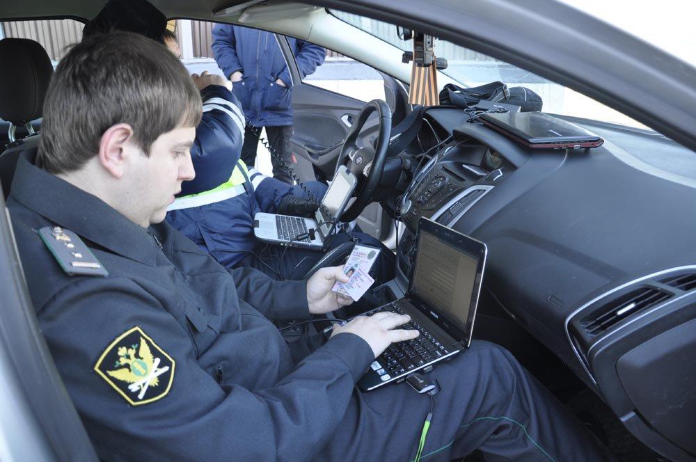 В России резко возросло количество уклонистов от уплаты штрафов за нарушения ПДД