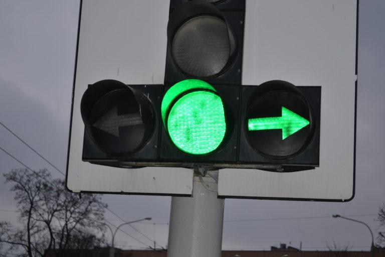 Возможные парадоксальные ситуаций с зеленым светом