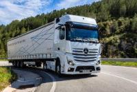 За рулем тягача Mercedes Actros нового поколения