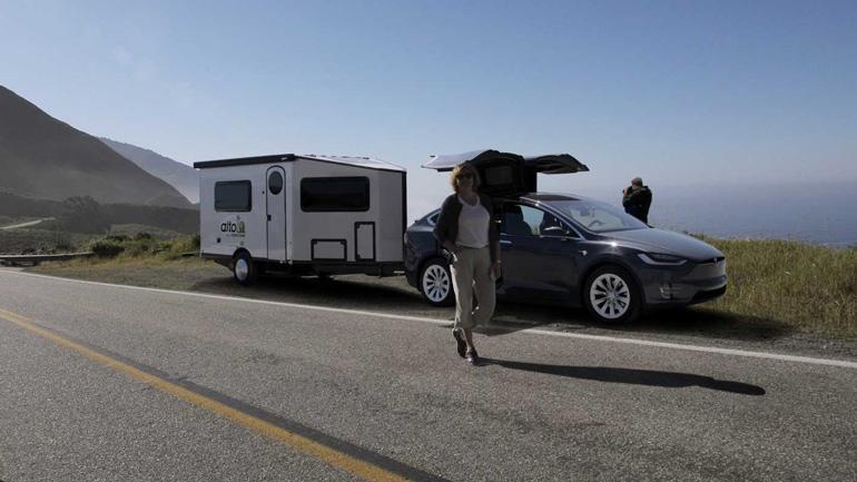 Легкий и аэродинамичный прицеп Safari Condo