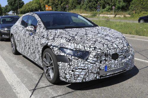 седан в истории Mercedes-Benz