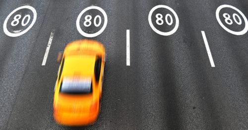 Агрегаторы такси ужесточат наем водителей