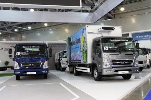 Азиатские грузовики на Комтранс