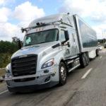 Грузовики-беспилотники Freightliner на дорогах США
