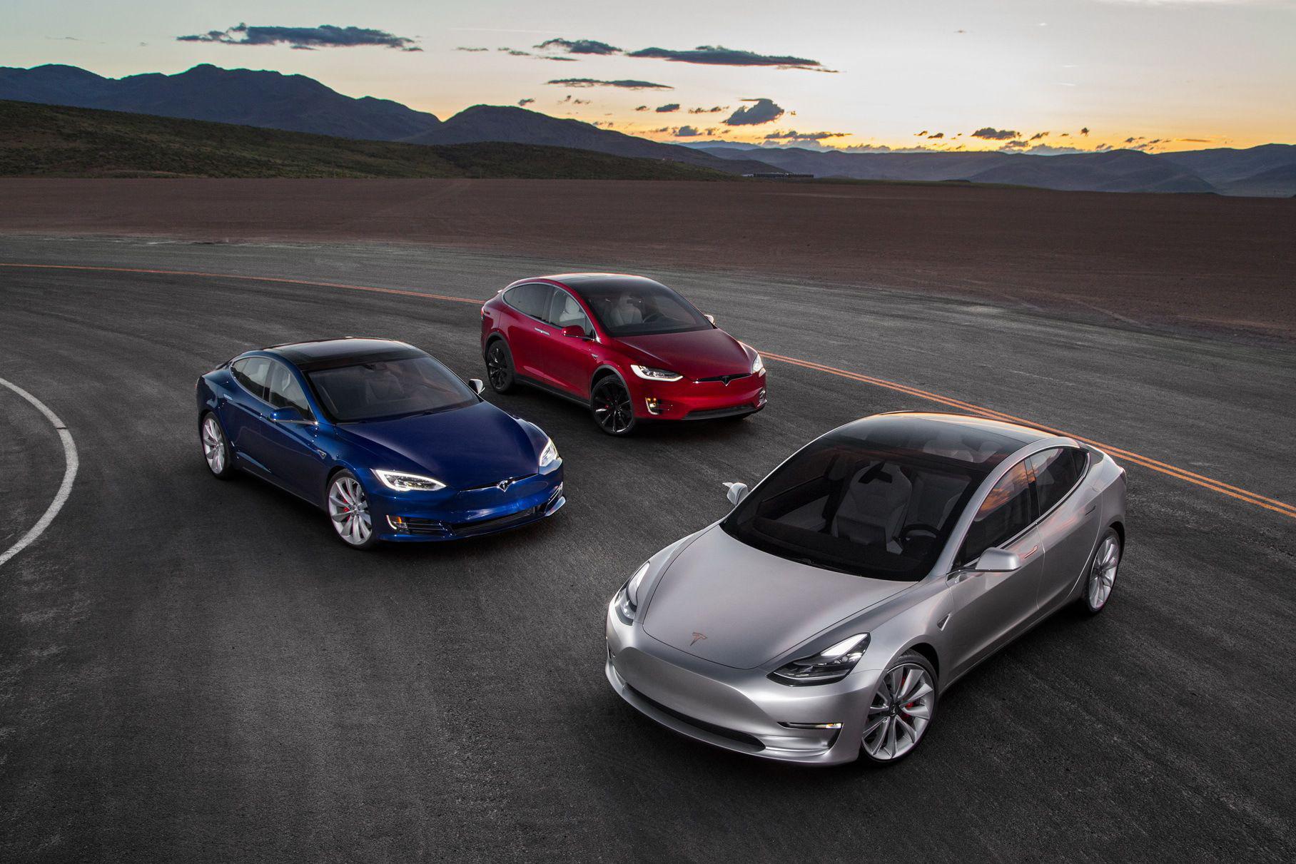 У спорткар Tesla новые опций