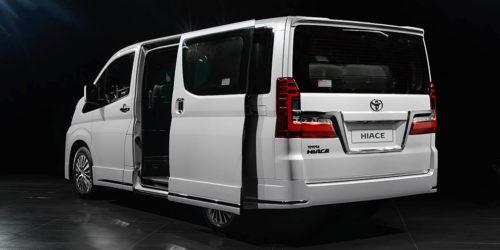 9-местная VIP-версия минивэна Toyota Hiace для VIP-персон