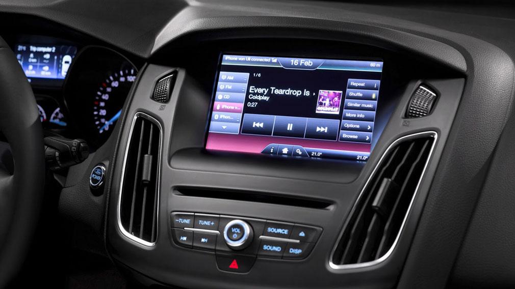 Ford - беспроводное подключение смартфона с помощью Apple CarPlay и Android Auto
