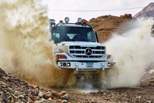 Капотный грузовик Mercedes Zetros