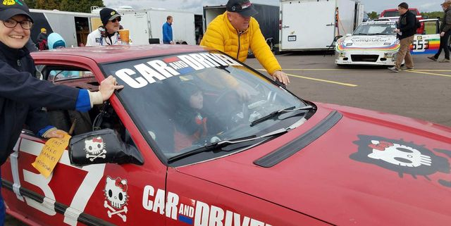 Lemons Racing - автогонки должны быть не только для богатых идиотов, а для всех идиотов
