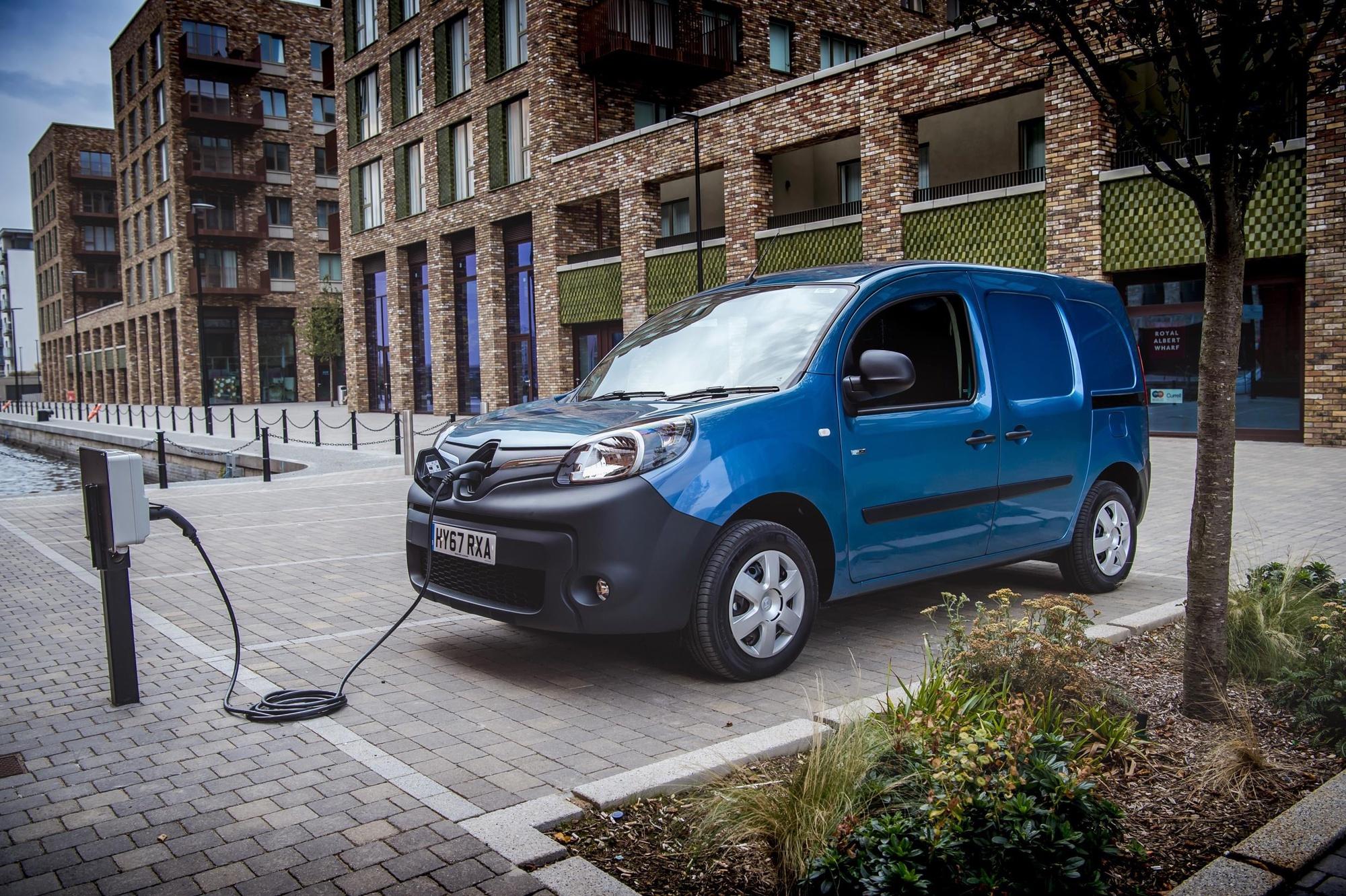Водородные двигатели Renault Kangoo и Renault Master