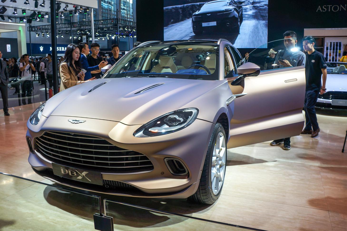 Aston Martin DBX - новый внедорожник для миллиардеров