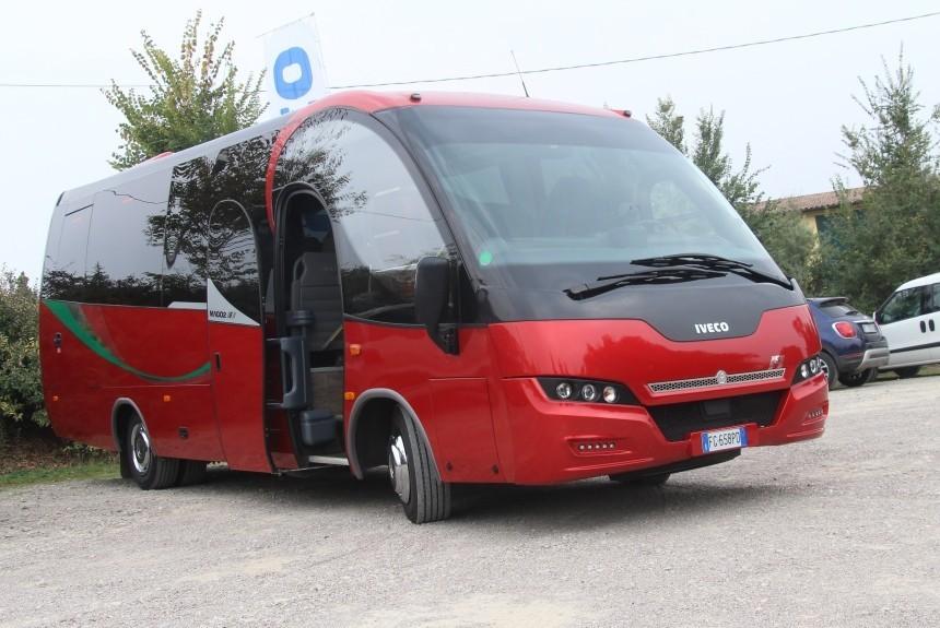 Автобус Ferrari